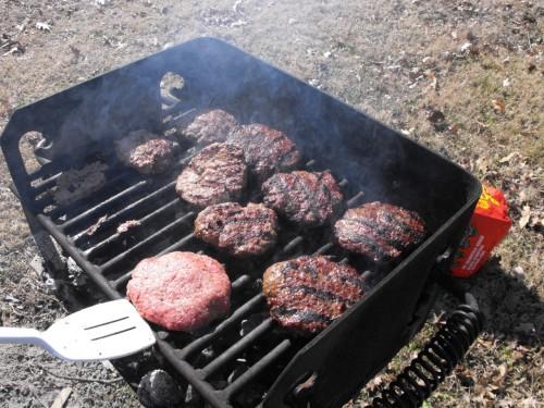 grilovanie-hamburgerov